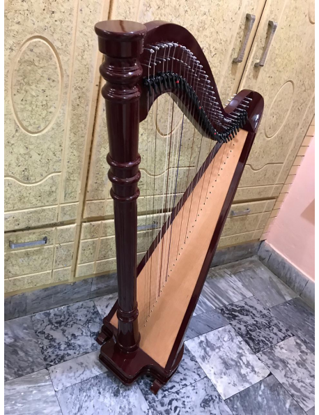 34 string harp with semitone levers